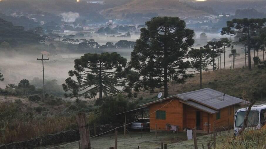 Frente fria avança sobre Sul e Sudeste do país