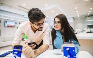 Procura um celular de até R$ 1.000? Conheça 5 aparelhos e escolha o melhor