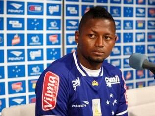 Riascos se despede do Cruzeiro sem deixar saudades na China Azul