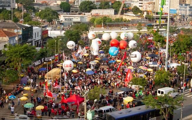 Manifestação pela Educação em São Paulo começou no Largo da Batata