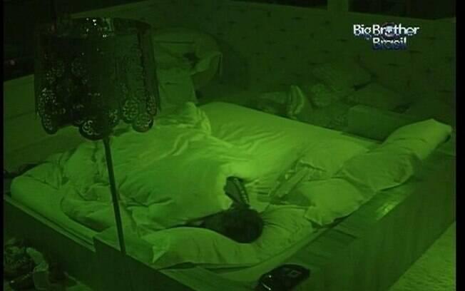 João Maurício é o último a se render ao sono