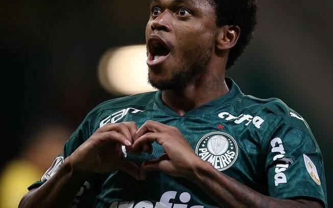 Palmeiras vence