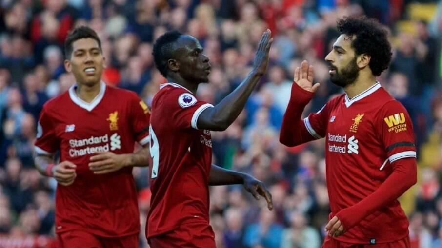 Liverpool pode se desfazer de Mané, Salah ou Firmino para contratar Mbappé, segundo jornais ingleses