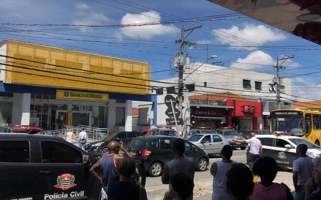 Dez criminosos foram detidos pela Rota após tentativa de assalto a banco em São Paulo