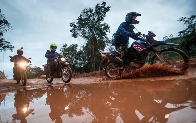 O habitat natural da Yamaha Crosser não poderia ser outro: a lama. Mas era tanta, que nós tivemos que nos adaptar