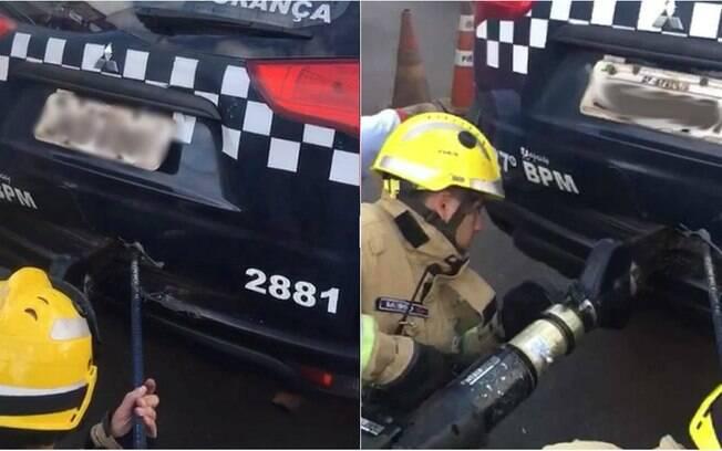 Homem ficou preso em camburão após dar chutes consecutivos de dentro da mala do carro