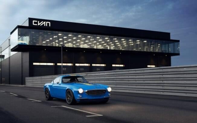 Volvo P180 Cyan: linhas clássicas, mas com desempenho de carro moderno de competição com motor turbo e câmbio manual