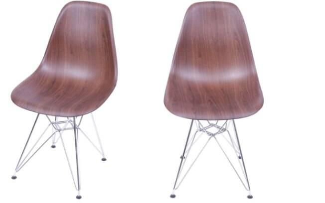 O móvel é elegante e moderno, combina com uma luminária pendente metálica pintada de preto e uma mesa de tampo em madeira ou cor escura; está com  47% off na Marabraz