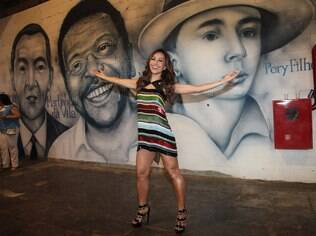 Sabrina Sato na quadra da Vila Isabel no Rio de Janeiro