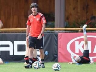 O treinador Joachim Low terá a missão de levar seus comandados a primeira vitória da Alemanha diante da seleção da Argélia