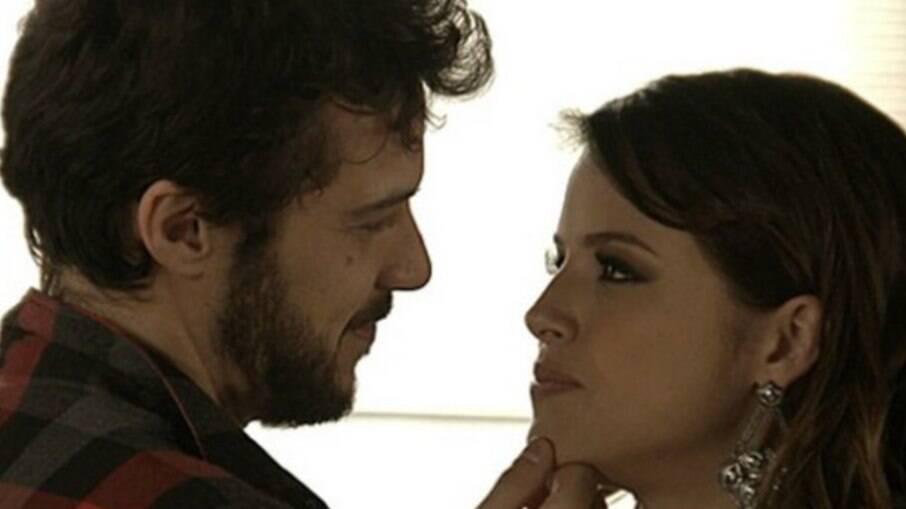 Camila não esqueceu o que sentia por Giovanni