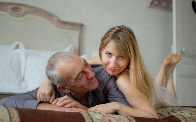 Para quem está perdendo a virgindade jovem, o momento já gera ansiedade, imagine para quem tem 53 anos?