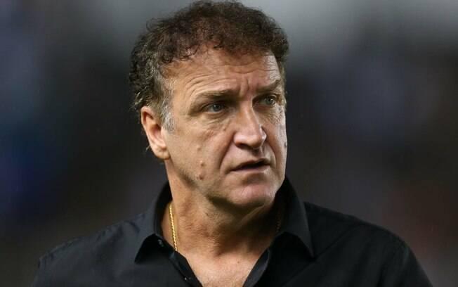 Cuca, técnico do São Paulo, pede calma com o reinício do jogador Alexandre Pato, que atuou hoje contra o Botafogo