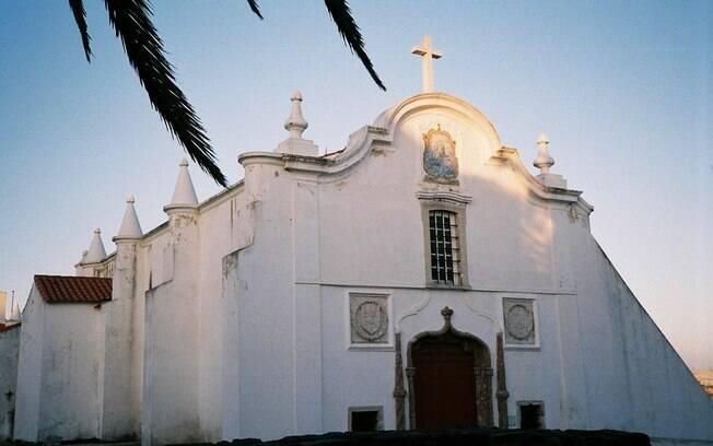 Para encerrar o roteiro de turismo religioso em Portugal, vale visitar a Igreja Nossa Senhora das Salas, em Sines