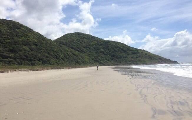 Praia na Ilha do Cardoso