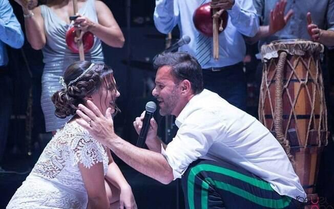 A dança dos noivos do casal do Espírito Santo ficou famosa na internet: o vídeo tem mais de oito milhões de views