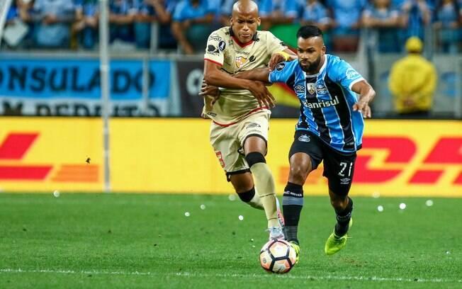 Grêmio perdeu em casa para o Barcelona-EQU, mas garantiu a vaga na final da Libertadores pelo placar agregado