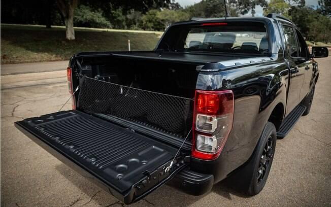 Ford Ranger Black e Chevrolet Equinox: picape é melhor que SUV médio?