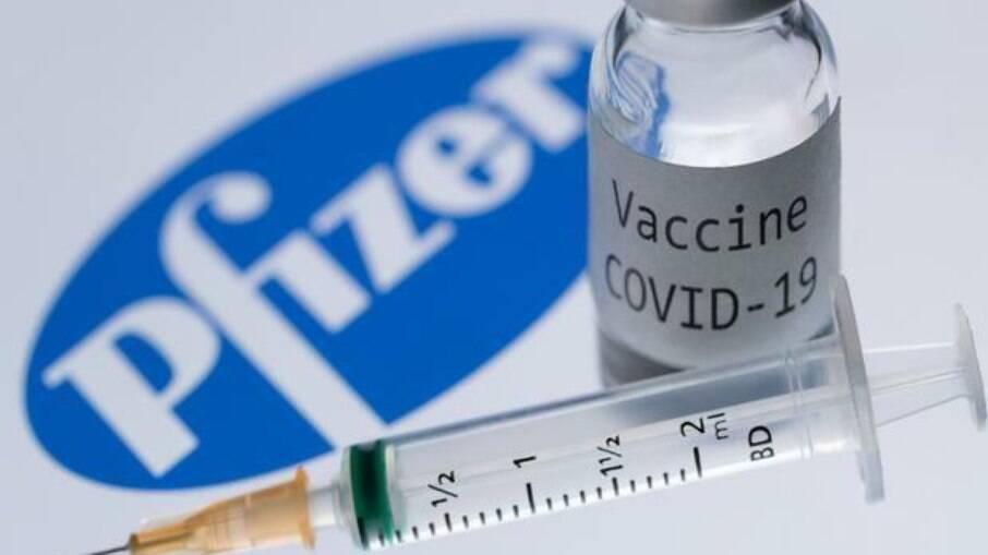 Organizada na Rússia desde novembro de 2020, rede tinha objetivo de espalhar notícias falsas sobre os imunizantes da AstraZeneca e da Pfizer