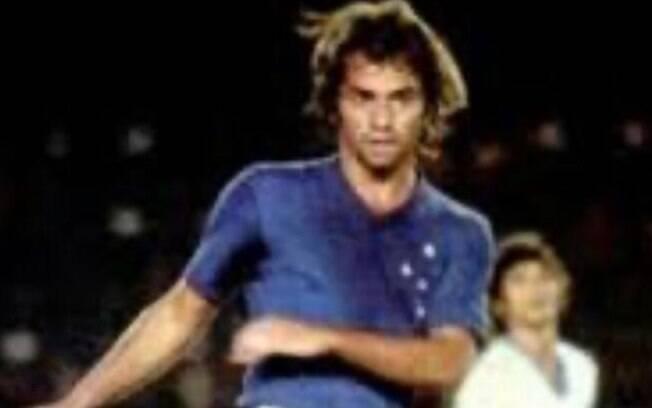 Flamarion, ex-jogador do Cruzeiro, morreu de câncer