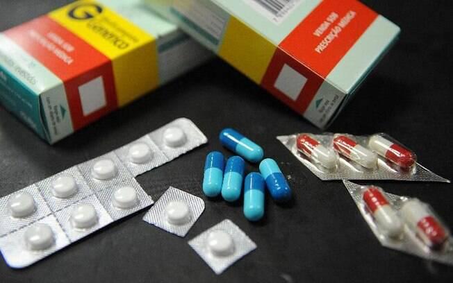 Entre os medicamentos apreendidos, foram encontrados remédios para tratamento contra o câncer, avaliados em R$ 40 mil, para artrite reumatoide e medicamentos pediátricos