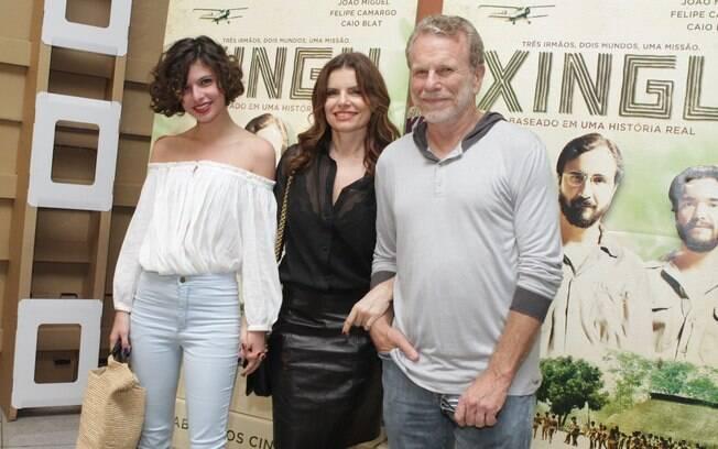 Débora Bloch com o pai, Jonas, e a filha, Júlia