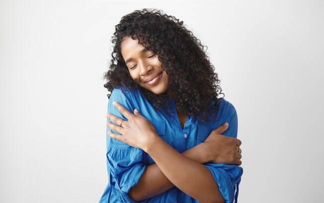 Amor-próprio é uma das qualidades mais importantes para conquistar a felicidade plena