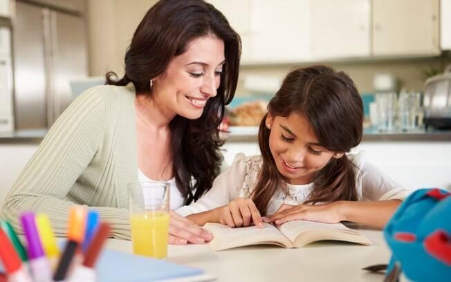 A ajuda dos pais é importante para as crianças se organizarem no início do ano letivo