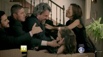 Chantageado, José Alfredo tenta estrangular Cora; confira resumo