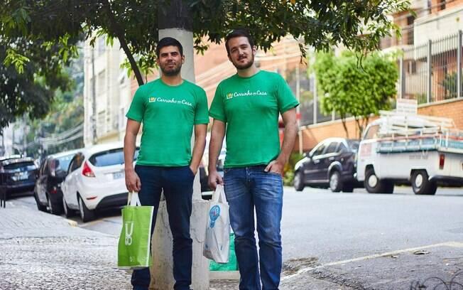 Ricardo Prelhaz, 26, e David Grant Russell, 28, fundadores da Carrinho em Casa, esperam atender 600 clientes esse ano e alcançar R$ 120 mil de faturamento