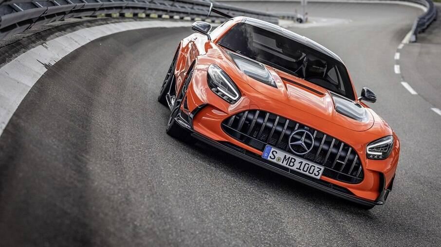 Mercedes AMG GT Black Series tem preço sugerido de 335.240 euros com motor de 730 cavalos e pode atingir 325 km/h
