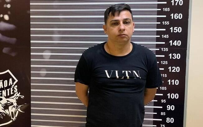 Acusado estava escondido em um condomínio de luxo na cidade de Praia Grande (SP)
