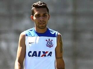 Novo contrato de Petros com o Corinthians é válido até dezembro de 2018