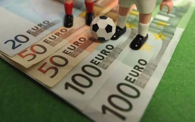 Mercado da bola no Brasil foi movimentado em 2017 e gerou mais dinheiro