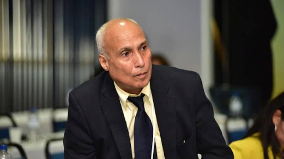 Ciêntista Político Paulo Baía