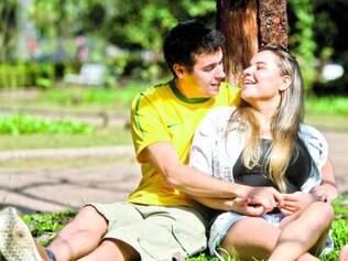 Acerto. O advogado Leonardo Amâncio e a estudante Stele Pereira negociaram e se acertaram: comemoração do Dia dos Namorados será adiantada.