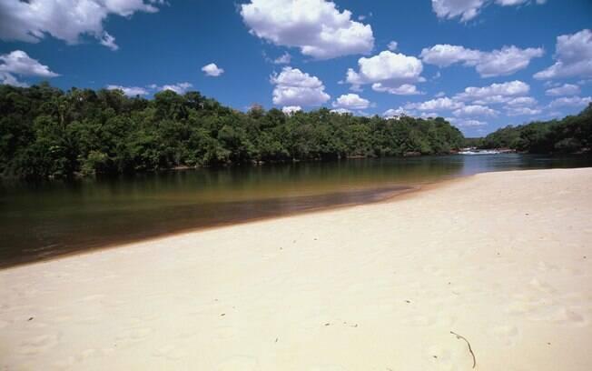 Uma das praias de rio que cortam a região