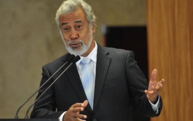 O primeiro-ministro do Timor Leste, Xanana Gusmão, pede demissão