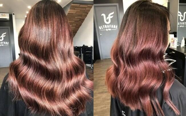 A tendência já está fazendo sucesso na Europa promete dar um toque rosé para quem tem cabelo castanho