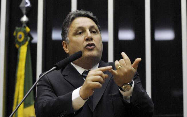 Ex-governadores do Rio, Garotinho e Rosinha são presos em operação do MP