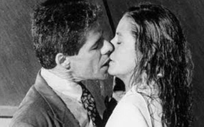 José Mayer e Luíza Thomé em cena da novela