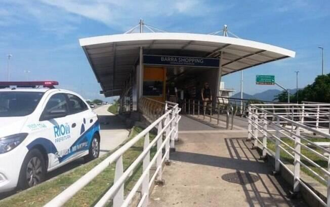 Homem ejaculou em passageira em estação de BRT no Rio