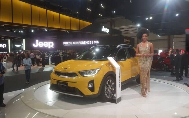 Kia Stonic é mostrado no Salão do Automóvel 2018 apenas para medir a aceitação do público no evento