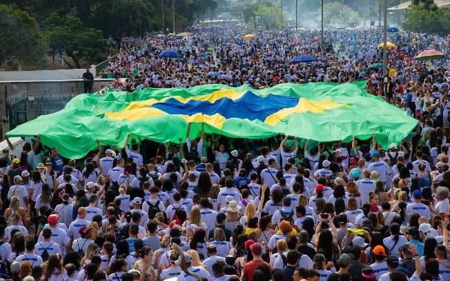 A 27ª edição da Marcha para Jesus, principal encontro evangélico do País, reúne milhares de fiéis em São Paulo