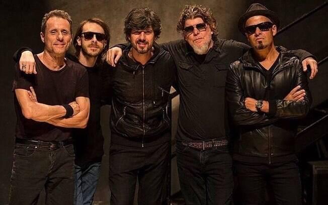 """Banda Titãs lança novo álbum """"Doze Flores Amarelas – A Ópera Rock"""