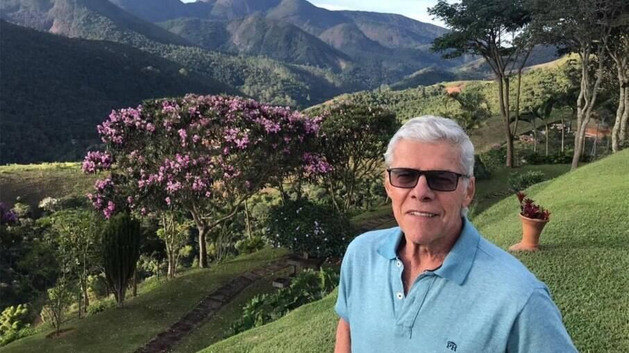 José Mayer posta primeira foto após afastamento da TV