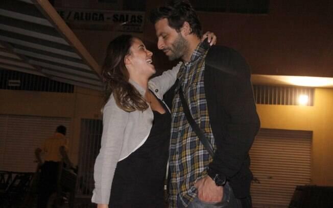 Fernanda Vasconcellos e Henri Castelli: só love
