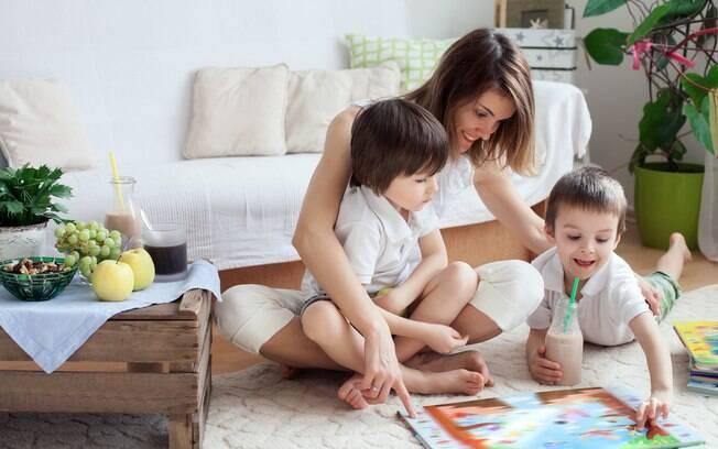 Apesar de a maternidade ser tão desgastante quanto qualquer outra profissão, as mães não recebem salário para isso