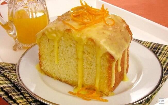 Bolo de laranja molhadinho para um lanche da tarde saboroso
