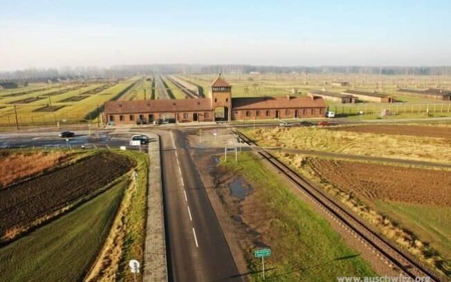 O campo de extermínio de Birkenau, construído ao lado de Auschwitz para aniquilar judeus e outras minorias. Foto: Auschwitz-Birkenau Memorial and Museum